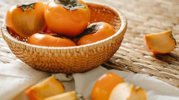04-秋柿降膽固醇,吃柿子的4個好處-1300x1042